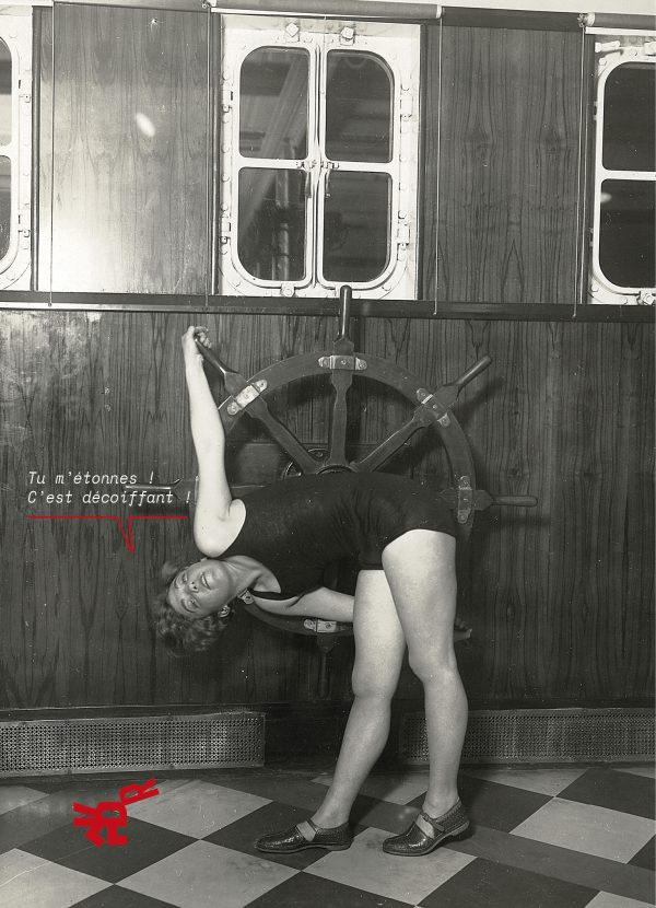 Myrtle Lesston, ancienne directrice du Washington Sany Fire-Girls prend la pose en train de faire du sport à bord du paquebot Ile-de-France.