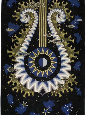 Tapisserie de Jean Picart-Le Doux pour le fumoir 1re classe du paquebot France représentant une lyre entourée de poissons.
