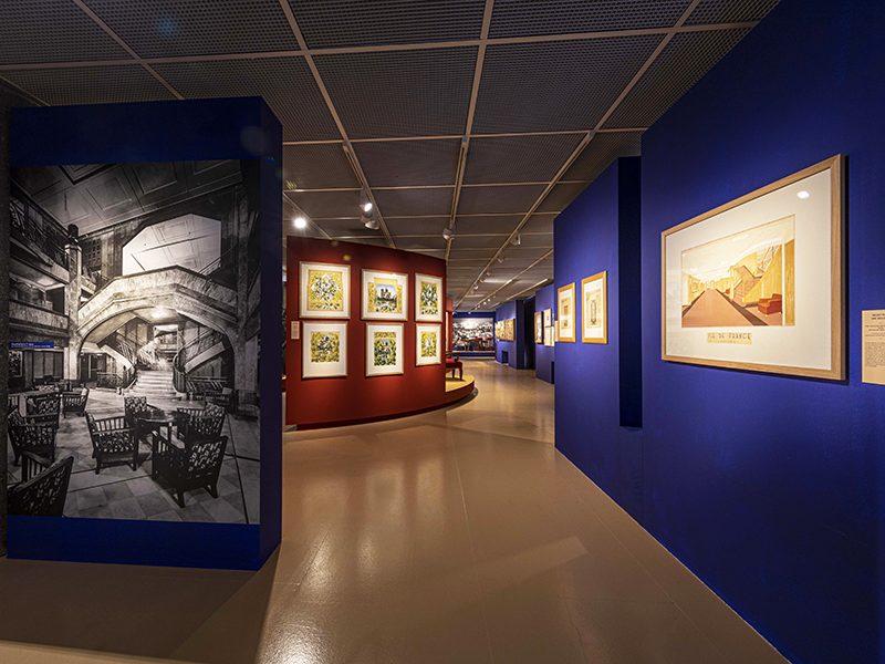"""Vue de plusieurs esquisses de décors dans l'exposition """"L'Art déco, un art de vivre : le paquebot Ile-de-France"""" au musée des Années 30 de Boulogne-Billancourt."""