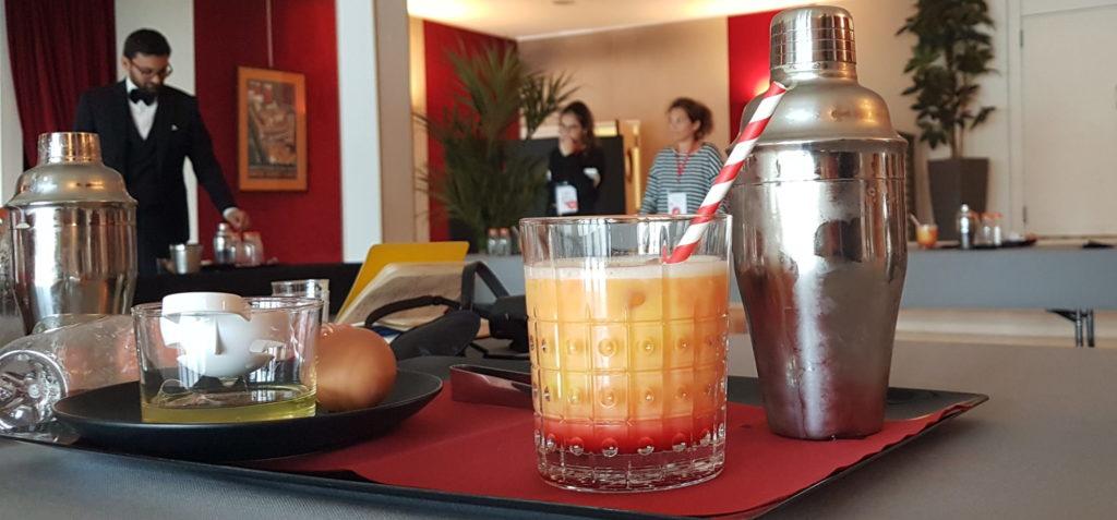 Cocktail sans alcool Normandie et son shaker réalisé lors d'une activité à Escal'Atalntic.