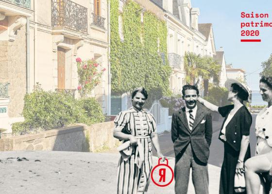 Quatre femmes et un homme en noir et blanc nous font face, derrière eux les façades colorées des habitations du quartier de la Havane à Saint-Nazaire. Visuel de la Saison patrimoine de l'été 2020.