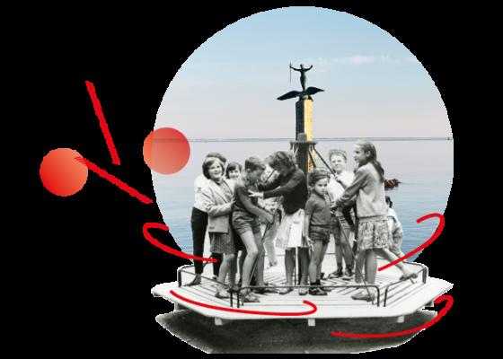 Montage photo avec des enfants jouent sur un tourniquet en 1963 et derrière le monument américain à Saint-Nazaire.