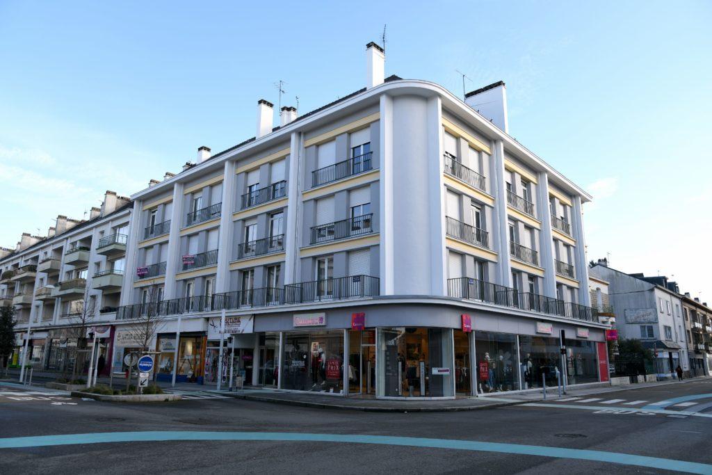 Angle d'un immeuble des années 1950 de l'avenue de la République à Saint-Nazaire, à voir lors des Journées du Patrimoine.
